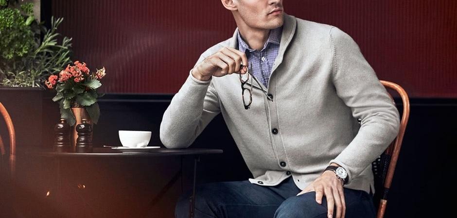 умный полуофициальный стиль дает комфорт и индивидуальность деловому мужчине