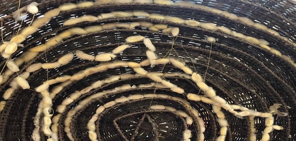 Камбоджийский шелк золотого оттенка очень высоко ценится и считается абсолютным раритетом